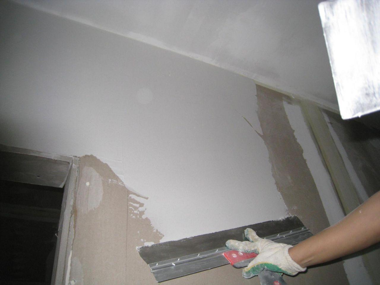Выравниваем бетонные стены гипсокартоном, шпатлевкой или гипсом