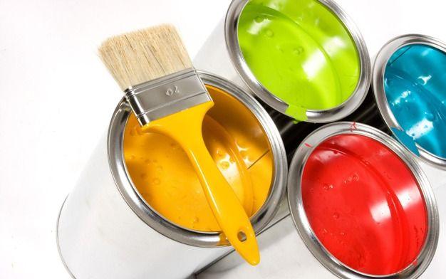 Чем красить обои под покраску?