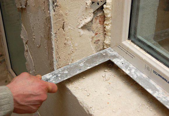 Как штукатурить откосы на окнах?