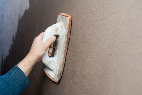 Как штукатурить стены под обои?