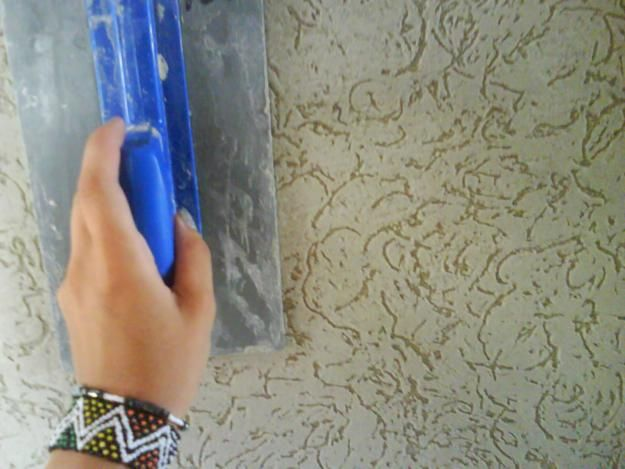 Нанесение рельефной штукатурки своими руками
