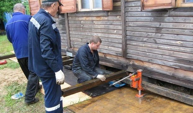 Как подвести фундамент под деревянный дом