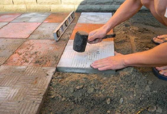 Тротуарная плитка. Клада на песок
